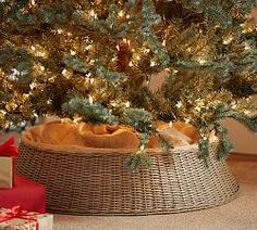 Jacqueline Tree Collar ~ diam basket of jute & rattan wicker ~ substitute for traditional Christmas tree skirt Indoor Christmas Decorations, Christmas Lanterns, Wooden Christmas Trees, Christmas Swags, Woodland Christmas, Christmas Crafts, Christmas Ideas, Christmas 2015, White Christmas