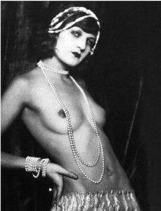 Anita Berber - Weimar Ära (Foto von Madame d'Ora, Wien) Showgirls, Vintage Girls, Cabaret, 1920s, Burlesque, Berlin, French Postcards, Ziegfeld Follies, Ziegfeld Girls