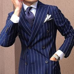 Inspired Looks For An Elegant Man : Sharp Dressed Man, Well Dressed Men, Double Breasted Pinstripe Suit, Look Fashion, Fashion Outfits, Mens Fashion Suits, Tailored Fashion, Suit And Tie, Gentleman Style