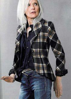 15.Older Women Hairstyle