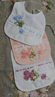 LOY HANDCRAFTS, TOWELS EMBROYDERED WITH SATIN RIBBON ROSES: BABADOR