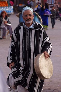 People of Marrakech Moroccan Dress, Moroccan Style, Marrakech Morocco, Marrakesh, East Africa, North Africa, Style Marocain, African Countries, African Diaspora