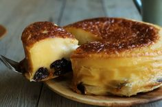 Far Breton - Flan like cake with flour Oven Recipes, Sweets Recipes, Brownie Recipes, Cake Recipes, Cooking Recipes, Far Breton, Brunch Cafe, Candy Cakes, Bread Cake
