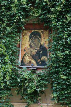 Vladimir icon of Theotokos - outdoors