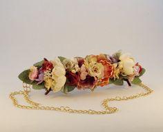 Cinturón PRIMAVERA 1 de plena tendencia, está confeccionado a mano con flores de tela montadas sobre cinta de falla y trasera de cuero a tono, Fabric Jewelry, Hair Bows, Diy Crafts, Necklace Ideas, Belt, Outlet, Spring, Etsy, Womens Fashion