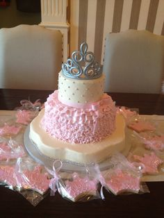 little princess's baby shower | Princess baby shower cake • View on Flickr