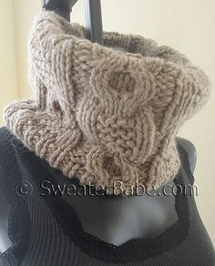 Ravelry: #161 Chunky Cabled Cowl pattern by SweaterBabe $4