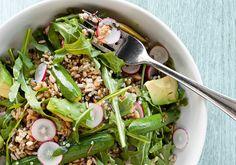 Salada 7 grãos com abacate e rúcula