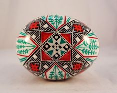 Red and turquoise Ukrainian Easter Eggs, Ukrainian Art, Easter Egg Designs, Red Turquoise, Egg Art, Color Blending, Teal Colors, Beautiful Artwork, Eggs