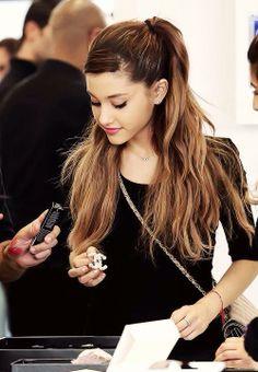 Ariana Grande 2014                                                                                                                                                                                 Más