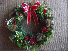 Christmas handmade wreath  http://www.flowerdreamsuk.co.uk/
