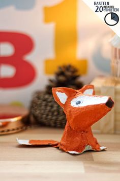 Tinker fox from egg carton - the sweet forest resident is a creative handicraft . - Tinker fox out of egg carton – the sweet forest resident is a creative craft idea for children. Creative Crafts, Diy And Crafts, Arts And Crafts, Paper Crafts, Upcycled Crafts, Decor Crafts, Diy For Kids, Crafts For Kids, Egg Carton Crafts