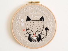 Embroidery Hoop Wall Art 'Milk Time Kitty Cat' por doalittledance