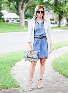 Denim dress paired with a long cozy cardigan and block heels for a casual fall look Fall Looks, Casual Fall, Overall Shorts, Overalls, Vest, Chain, Denim, Jackets, Dresses