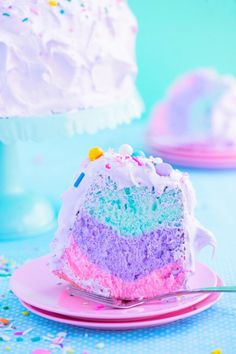 17 magical and whimsical unicorn desserts. All things unicorn, from macarons to … 17 magical and whimsical unicorn desserts. All things unicorn, from macarons to muddy buddies! Cute Desserts, Delicious Desserts, Yummy Food, Colorful Desserts, Kreative Desserts, Cake Recipes, Dessert Recipes, Angel Cake, Rainbow Food