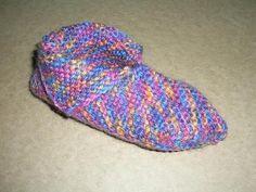 De Paradijsvogel - origami-sloffen Origami, Knitted Slippers, Knitting Socks, Lana, Free Pattern, Knit Crochet, Crochet Patterns, Beanie, Diy Crafts