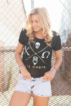 TSL is the premier destination for Collegiate and Greek Life Apparel. Sorority Outfits, Sorority Gifts, Sorority Sugar, Chi Omega Shirts, Chi Omega Recruitment, Chi Omega Crafts, Sorority Little, Alpha Chi, Greek Clothing