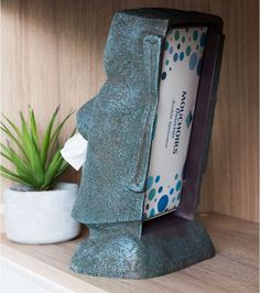 Distributeur de mouchoirs Moai - Une idée de cadeau original et insolite ! Inspiration, Design, Quirky Gifts, Objects, Biblical Inspiration, Inspirational