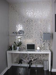 White Lacquer Desk - Contemporary - den/library/office - http://centophobe.com/white-lacquer-desk-contemporary-denlibraryoffice/ -