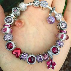 I know it's winter but that doesn't mean I cannot wear my pink's. Still not snowing here #pandora #pandoraaddict #pandorabracelets #pandoralover #pandoralover #pandoracharm #pandorabracelet #pandoramoments #mybracelet #jewelry #charm #silver #pink #red #blingbling #lovejewelry #creating #creations