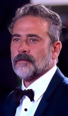 ❤️ Jeffrey Dean Morgan. Lord of above, he is absolutely stunning. I don't care how old he is or will ever get, he is a beautiful man.