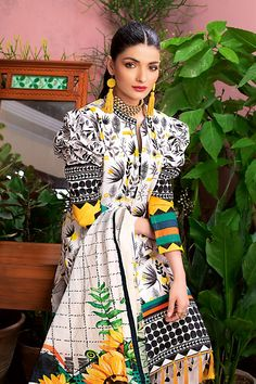 this is new stylish clothing design for women hope u will enjoy to wear these dresses Simple Pakistani Dresses, Pakistani Fashion Casual, Pakistani Dress Design, Pakistani Suits, Salwar Suits, Salwar Kameez, Stylish Dress Designs, Stylish Dresses, Women's Fashion Dresses