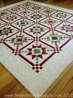 Would love a Christmas quilt! This pattern looks like Country Charmer by Sew'n Wild Oaks but with a plain white border to showcase the quilting. Patchwork Quilting, Longarm Quilting, Machine Quilting, Quilting Projects, Quilting Designs, Quilting Ideas, Scraps Quilt, Star Quilts, Quilt Blocks