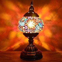 Abajur Turco para decoração, com cúpula circular artesanal em mosaico de vidros e miçangas em tons diversos... Compre luminárias turcas em até 12x.