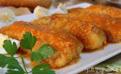 Unos lomos de merluza con patatas y salsa de pimientos rojos que se hacen en 20 minutos y quedan deliciosos!! Los podéis ver en mi blog Julia y sus recetas.