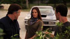 """Burn Notice 5x07 """"Besieged"""" - Michael Westen (Jeffrey Donovan), Fiona Glenanne (Gabrielle Anwar) & Sam Axe (Bruce Campbell)"""