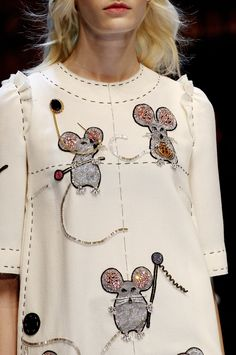 Dolce & Gabbana Fall 2016 Ready-to-Wear Fashion Show Details - Vogue - Fashion Trends Couture Fashion, Runway Fashion, High Fashion, Fashion Show, Womens Fashion, Fashion Trends, Milan Fashion, Net Fashion, 2000s Fashion