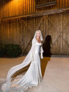 The couple took over Nashville's new Graduate Hotel, and found the perfect nearby farm where the bride could walk down an aisle illuminated by candlelight. Celebrity Wedding Dresses, Celebrity Weddings, Wedding Gowns, Celebrity Memes, Celebrity Photos, Celebrity Nails, Celebrity Drawings, Wedding Lingerie, Bouquet Wedding