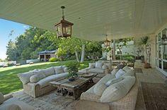 Ellen Degeneres Backyard Living Room - Google Image Result for http://www.currb.com/wp-content/uploads/2011/10/Ellen-Degeneres-Backyard-Living-Room-620x410.jpg