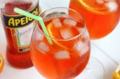 Spritz - d Italian Cocktails, Cocktail Drinks, Cocktail Recipes, Drinks Alcohol Recipes, Alcoholic Drinks, Beverages, Classic Italian Dishes, Creative Food Art, Healthy Fruits