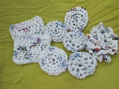 Pin for Later: 221 Upcycling Ideas That Will Blow Your Mind Plastic Bag Pot Scrubbers Crochet plastic bags into little shapes. You can use these to scrub dishes, pots, and other cookware. Plastic Bag Crafts, Plastic Bag Crochet, Recycled Plastic Bags, Plastic Grocery Bags, Fused Plastic, Plastic Spoons, Knit Or Crochet, Bead Crochet, Crochet Crafts