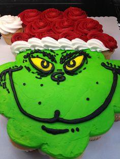Grinch Cake More Grinch Cake Christmas Cupcake Cake, Holiday Cakes, Holiday Desserts, Holiday Baking, Holiday Treats, Christmas Treats, Christmas Baking, Grinch Christmas, Xmas