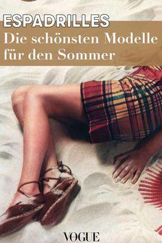 Espadrilles: Die schönsten Modelle für den Sommer #espadrilles #trend #sommer #2019 #bestof #schuhe #mode #fashion #vogue #voguegermany Chanel Espadrilles, Lauren Bacall, Jane Birkin, Grace Kelly, Vogue Cover, Bikini Modells, Denim Look, Must Haves, Fur
