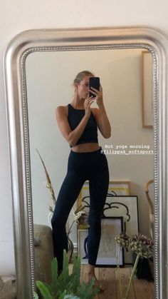 oga outfit comfy+yoga outfits for women fashion+Style LeYnc/STREETSTYLE / Streetstyle NY/Street Style Fashion Report/ Hotsales/Markdown/Shoes / Flo+Sport Meets Fashion Skinny Motivation, Body Motivation, Body Inspiration, Fitness Inspiration, Posi, Sport Outfits, Cute Outfits, Yoga Outfits, Trainer