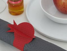 Napkin rings made out of premium heavy paper, are a beautiful added touch for your special occasion and perfect for decorating any holiday table