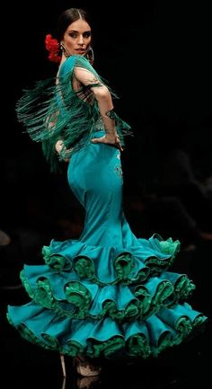 Rosapeula, Simof Flamenco pinned by I bet Putnam Spanish Dancer, Spanish Art, Spanish Culture, Latin Dance, Dance Art, Dance Music, Tango, Dancer Photography, Ballroom Dancing