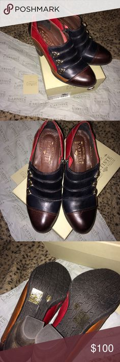 """L'Artiste Booties """"Blueberry"""" New in Box sz 7.5-8 Brand new in box, never worn. Adorable Booties that could go with skinny jeans or even black dress pants. Euro size 38 Us 7.5-8 with 3 inch heels. L'Artiste Shoes Ankle Boots & Booties"""