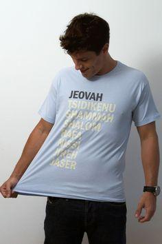 Nomes de Deus - Masculino - Camisetas cristãs                                                                                                                                                     Mais