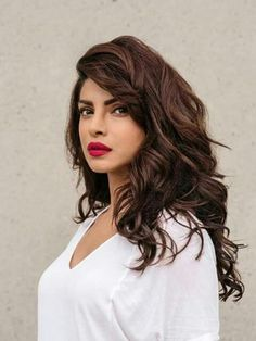 Filmography & biography of Priyanka Chopra Jonas who started her career with the movie Thamizhan. Check out the movie list, birth date, latest news, videos & photos, trivia gossips and upcoming film projects of actor Priyanka Chopra Jonas on BookMyShow. Priyanka Chopra Hair, Hair And Beauty, Indian Skin Tone, Indian Skin Hair Color, Indian Hair Highlights, Hair Colour, Brown Hair On Indian Skin, Brown Hair Red Lips, Hair Color For Brown Skin