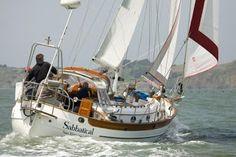 HC33t sailing far, living free!