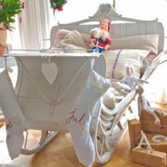A real sleigh bed....