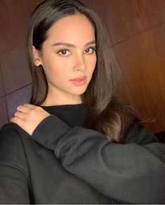 I see catriona and megan young in this picture💚 Megan Young, Asian Woman, Asian Girl, Beauty Makeup, Hair Makeup, Cute Young Girl, Haircut And Color, Bare Face, Fair Skin