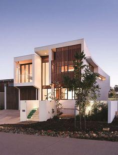 놀라운 설계의 빌라 최근 인터넷에 소개되면서 화제가 된 '천국 154'(Elysium 154) 빌라 주택 모습이다. 호주 퀸즈랜드(Queensland) 누사(Noosa)에 위치한 주택으로 호주 BVN건축 스튜디오에서 설계했다.이 빌라 주택에는 테니스장,수영장,공원 등이 있으며, 옆에 호수가 있어 부드럽고 깨끗한 모습을 연출하고 있다. 자료..