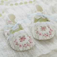 baby Children boy girl boot booties shoes fabric Felt embroidery stitch sewing applique patchwork quilt PDF Patterns. $5.00, via Etsy.