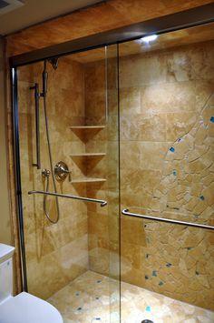 io voglio un grande doccia in mi casa. Io faccio la doccia per un ora ogni giorno. mi piacciono le porte di vetro.