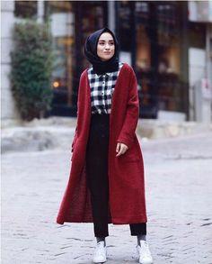 Fall hijab in oversized outwears – Just Trendy Girls Street Hijab Fashion, Abaya Fashion, Muslim Fashion, Modest Fashion, Modest Outfits, Girl Fashion, Fashion Outfits, Hijab Style, Hijab Chic